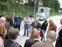 Besichtigung der Mess-Station im automatisierten Verfahren auf der Teststrecke auf der A8 bei Rosenheim-